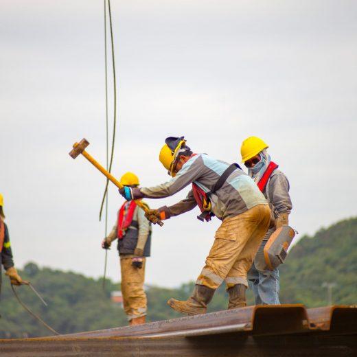 construction-jobsite-workers